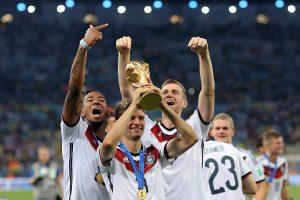 Weltmeister Deutschland spielt in Liga A gegen andere Fußballnationen (Foto shutterstock)
