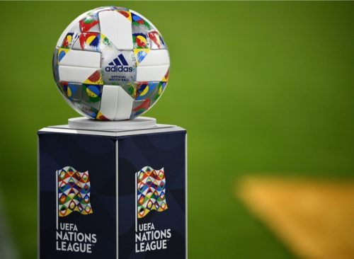 Der UEFA Nations League Spielball von adidas / AFP PHOTO / FRANCK FIFE