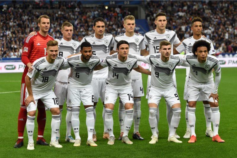 Die deutsche Startaufstellung gegen Frankreich im Stade de France in Saint-Denis, am 16. Oktober 2018. Frankreich gewinnt mit 2:1. (Photo by Anne-Christine POUJOULAT / AFP)