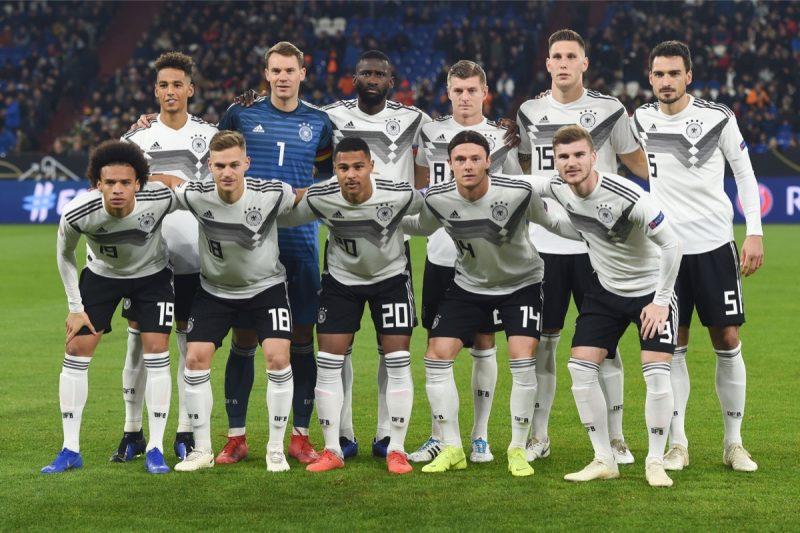 Die deutsche Startelf gegen die Niederlande am 19. November 2018. (Photo by Patrik STOLLARZ / AFP)